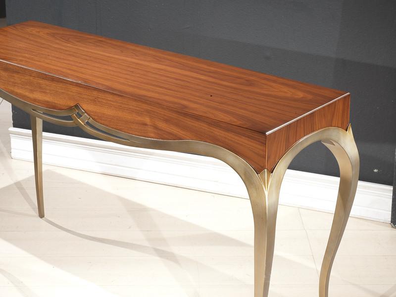Κλασική κονσόλα - Μιράντα - χωρίς ράφι, από ξύλο καρυδιάς και ασημόχρυση πατίνα