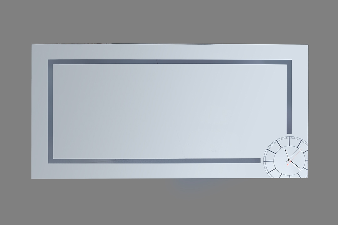 Καθρέπτης με LED φωτισμό και ρολόϊ